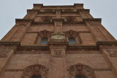 Klocka i det Klocka tornet av domkyrkan i Astorga Arkitektur historia, Camino De Santiago, lopp, gatafotografi royaltyfria bilder