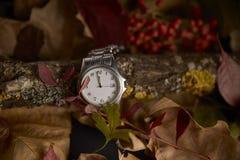 Klocka i frånvaron av en minut som ska startas det nya året 2019 royaltyfria foton