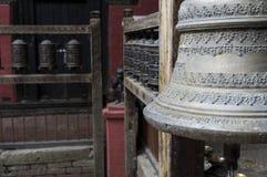 Klocka och bönen wheels in nepal Arkivbild