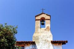 Klocka och kyrktorn på beskickningen San Juan Capistrano Royaltyfria Foton