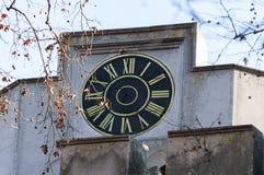 Klocka på den Huniade slotten Royaltyfria Foton