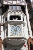 Klocka på ingången av den London domstolen, Perh, Australien Royaltyfri Foto