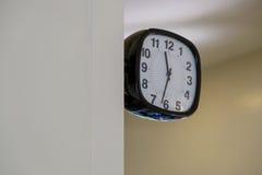 Klocka på väggen Fotografering för Bildbyråer