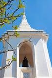 Klocka paviljong med blå himmel royaltyfri bild