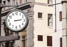 Klocka som är i stadens centrum i Miami Arkivbild