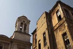 klocka som bygger det gammala tornet Royaltyfri Fotografi