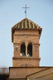 Klocka torn av Chiesa di San Benedetto i Piscinula Fotografering för Bildbyråer