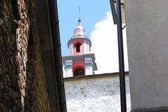 Klocka torn av Compiano Arkivbild