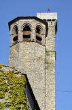 Klocka torn av Cordes-sur-Ciel i Frankrike Arkivbilder