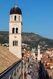 Klocka torn av den Franciscan kyrkan och kloster arkivbilder