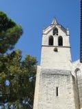 Klocka torn av den gammala kyrkan Royaltyfri Foto