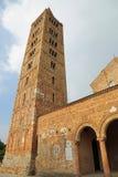 Klocka torn av den Pomposa abbotskloster en historisk byggnad Royaltyfri Bild