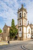 Klocka torn av den SaoDomingos kyrkan i Vila Real, Portugal Royaltyfri Foto