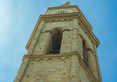 Klocka torn av domkyrkan av Arezzo Arkivbild