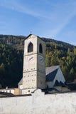 Klocka torn av kloster St John i Mustair Arkivfoto