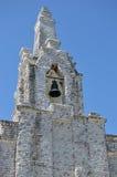 Klocka torn av sjösidakapellet på ön av La Toja Royaltyfria Foton