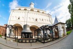 Klocka torn av St Sophia Cathedral i Novgorod kremlin Veliky N Fotografering för Bildbyråer