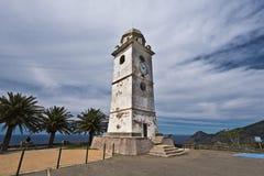 Klocka torn i den Canari byn av den Cap Corse halvön Arkivfoto