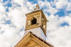 Klocka torn i den guld- bryta spökstaden av Bodie, Kalifornien Royaltyfria Foton