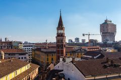 Klocka torn i helgonet Gottardo i Corte, Milan, Italien royaltyfri bild