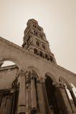 Klocka torn i kluven Kroatien Arkivfoto