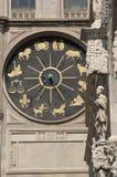 Klocka torn och Astronmical klocka i Messina Royaltyfria Foton