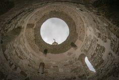 Klocka torn och entré i splittring Arkivfoton