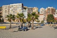 Klocka-torn på stranden royaltyfri fotografi