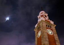 klockaHong Kong gammalt torn royaltyfri bild