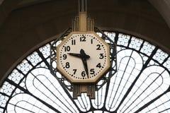 klockajärnvägstation Royaltyfria Bilder