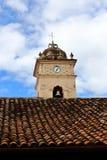 Klockan av Iglesia de La Merced i Granada, Nicaragua fotografering för bildbyråer