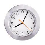 Klockan visar fem minuter av nionde Arkivbilder