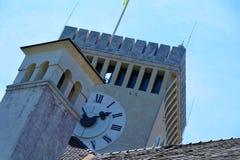 Klockatorn av den Ljubljana slotten Arkivbild