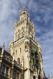Klockatorn av det nya stadshuset, Marienplatz, Munich Fotografering för Bildbyråer