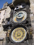 Klockatorn i Prague på en stadsfyrkant Royaltyfri Bild
