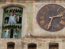 Klockatorn i Sighisoara, Rumänien Royaltyfri Bild