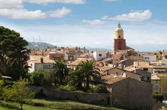 Klockatorn i St Tropez royaltyfria bilder