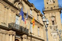 Klockatorn och stadshusbyggnad i aixen provence, Frankrike Royaltyfri Fotografi
