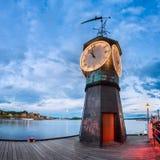 Klockatorn på Aker Brygge i Oslo, Norge Arkivbild