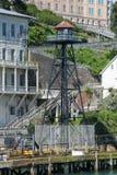 Klockatorn på den Alcatraz ön arkivfoto