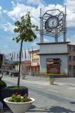 Klockatorn på den centrala fyrkanten av staden av Strumica, Republiken Makedonien Arkivfoton