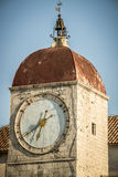 Klockatorn, trogir Kroatien Arkivbilder