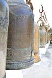 Klockor i buddismtempel Royaltyfri Fotografi