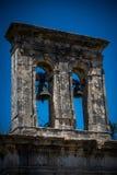 Klockstapel av den gamla grekiska kyrkan Royaltyfria Foton