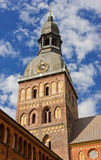 Klockstapel av Lutherandomkyrkan i Riga Arkivbild