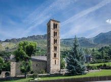 Klockstapel och kyrka av Sant Climent de Taull, Catalonia, Spanien Romansk stil arkivfoton
