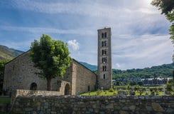 Klockstapel och kyrka av Sant Climent de Taull, Catalonia, Spanien Romansk stil fotografering för bildbyråer