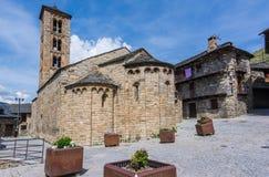 Klockstapel och kyrka av Santa Maria de Taull, Catalonia, Spanien Romansk stil royaltyfri bild