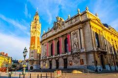 Klockstapel och operahus av Lille royaltyfri foto