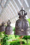 Klok in buddishttempel Stock Afbeeldingen